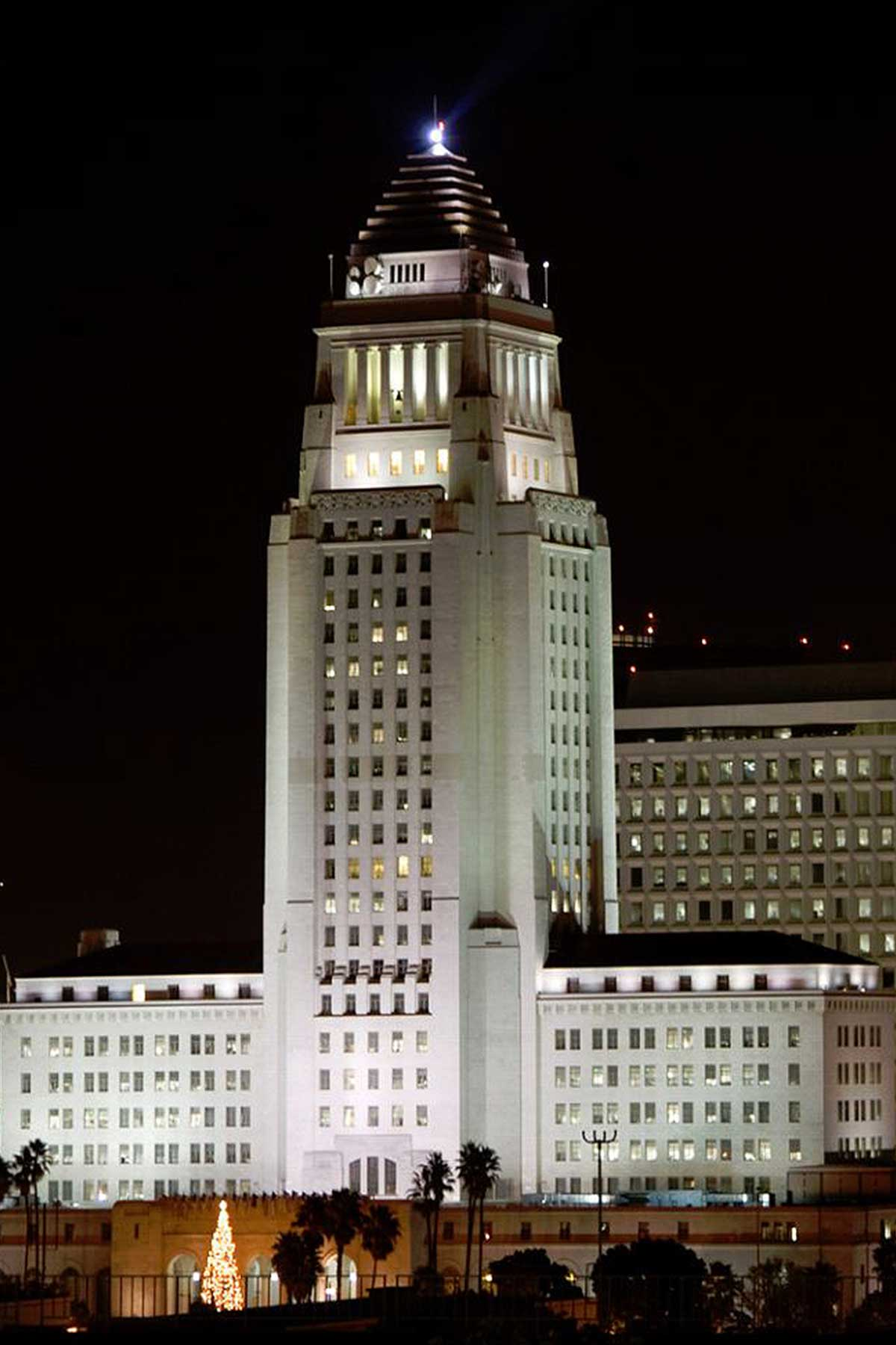 Los angeles city hall horton lees brogden lighting design for Is la a city